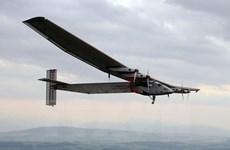 Máy bay năng lượng Mặt Trời bắt đầu chuyến bay vòng quanh thế giới