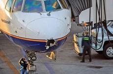 Máy bay bị sét đánh thủng mũi vẫn thực hiện hành trình gần 6.000km