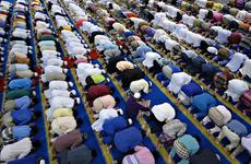 Người Hồi giáo Malaysia bắt đầu bước vào tháng lễ Ramadan