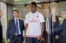 Mario Balotelli trở về AC Milan: Trò đùa của Silvio Berlusconi?