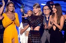 Khoảnh khắc đáng nhớ ở lễ trao giải Video Music Awards 2015