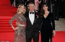 """Khán giả Anh đổ xô tới rạp xem tập phim mới về 007 """"Spectre"""""""