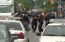 Đại học Toronto náo loạn vì tin báo có kẻ khả nghi mang súng