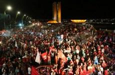 Cảnh sát Brazil bắn đạn hơi cay giải tán người biểu tình quá khích