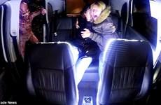 """Hành khách đi taxi hoảng loạn khi gặp """"người ngoài hành tinh"""""""