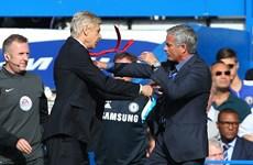 M.U-Arsenal: Wenger sẽ thực hiện lời hứa bắt tay với Mourinho?