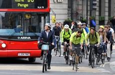 Anh chi hàng trăm triệu bảng khuyến khích người dân đi xe đạp