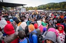 Áo thắt chặt kiểm soát biên giới để hạn chế dòng người di cư