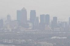 Sương mù dày đặc khiến hàng loạt chuyến bay ở London bị hoãn