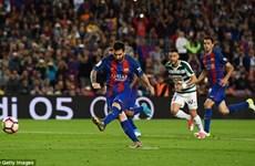 Barcelona mất ngôi vương, Messi vẫn lập cú đúp danh hiệu