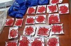 Bắt hai đối tượng vận chuyển trái phép 5.800 viên ma túy tổng hợp