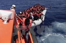Hải quân Ireland cứu hơn 700 người di cư ở ngoài khơi Libya