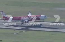 """[Video] Hành khách sợ khiếp vía khi máy bay """"rung như máy giặt"""""""