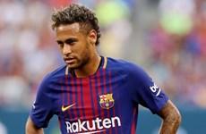 Neymar có thể tới PSG: Ra đi để thoát khỏi cái bóng Messi?