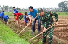 """""""Homestay"""" cho học sinh Lào: Dạy tiếng Việt gắn với sự ấm áp gia đình"""