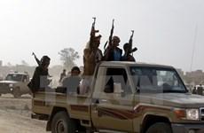Phiến quân Houthi dọa phóng tên lửa sang UAE, tấn công Saudi Arabia