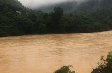 Thanh Hóa: Hàng trăm hộ dân của 5 bản vẫn đang bị nước lũ chia cắt
