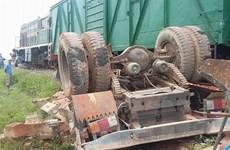 Hải Dương: Băng qua đường sắt thiếu quan sát, 2 người thiệt mạng