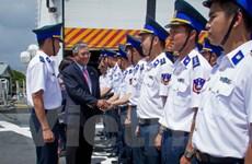 Đại sứ Việt Nam tại Hoa Kỳ thăm tàu Cảnh sát biển neo đậu tại Hawaii