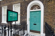 Giới thiệu những hiện vật hiếm của đại văn hào Charles Dickens