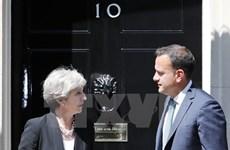 """Anh và Ireland tiếp tục cố gắng giải quyết """"bài toán"""" đường biên giới"""