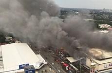 Cháy trung tâm thương mại ở Philippines, nhiều người mất tích