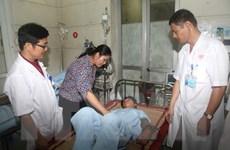 Quảng Ninh: Chủ quan khi ăn so biển, 2 người liệt toàn thân