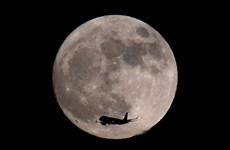 [Photo] Những hình ảnh ấn tượng về hiện tượng 'trăng sói'