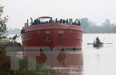 Thái Bình: Tàu chở hàng va chạm với thuyền đánh cá, 1 người mất tích