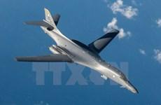 Mỹ triển khai máy bay ném bom tàng hình và tàu tới Hàn Quốc