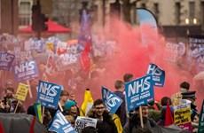 Anh: Biểu tình kêu gọi chính phủ hỗ trợ Hệ thống y tế công