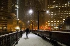 Tuyết rơi dày tại Mỹ và Tây Ban Nha khiến sinh hoạt đảo lộn
