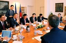 Chánh án Tòa án Nhân dân Tối cao thăm và làm việc tại Séc