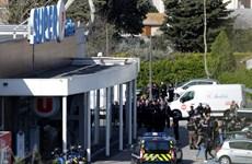 Vụ bắt giữ con tin tại Pháp: Thị trấn Trebes tưởng niệm các nạn nhân