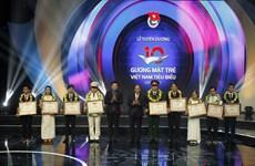 Thủ tướng dự Lễ tuyên dương 10 Gương mặt trẻ Việt Nam tiêu biểu