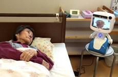 Robot mang lại niềm vui cho những người cao tuổi ở Nhật Bản