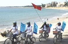 Chung tay ủng hộ ngư dân bám biển, giữ đảo quê hương