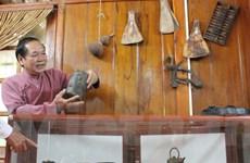 Người đàn ông gần nửa đời đi sưu tầm cổ vật văn hóa Mường