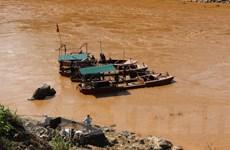 Bất cập trong quản lý khai thác cát trên thượng nguồn sông Mã