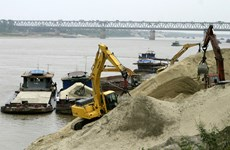 Hà Nội: Còn nhiều vụ vi phạm pháp lệnh đê điều ở các quận, huyện