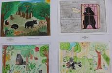 100 học sinh đạt giải cuộc thi vẽ tranh bảo vệ gấu quý ở Hà Nội