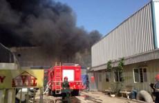 Hà Nội: Cháy lớn tại kho gỗ ép rộng 2000m2 ở cụm công nghiệp Ngọc Hồi