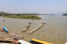 Bài 1: Khi mực nước sông Mekong thay đổi bất thường