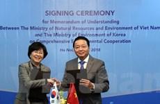 Việt Nam ký ghi nhớ hợp tác toàn diện về môi trường với Hàn Quốc