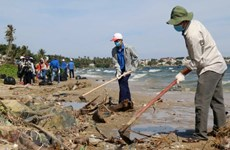 Thanh niên vùng biển tiên phong vì một thế giới không ô nhiễm rác thải