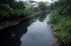 Hà Nội: Nước thải xâm nhập kênh thủy lợi, dân thiếu nước sạch tưới rau