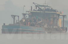 Bài 2: Sông Hồng bị 'cát tặc' xâm hại: Trách nhiệm thuộc về ai?