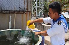Bài 2: 'Bầu sữa quý' giữa trùng khơi giúp Trường Sa thay da đổi thịt
