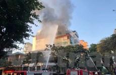Cận cảnh hiện trường vụ cháy tầng thượng quán karaoke ở Hà Nội