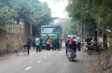 Người dân Sóc Sơn lại chặn xe vào bãi rác lớn nhất Hà Nội